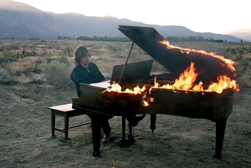 keith-emerson-piano-fiamme