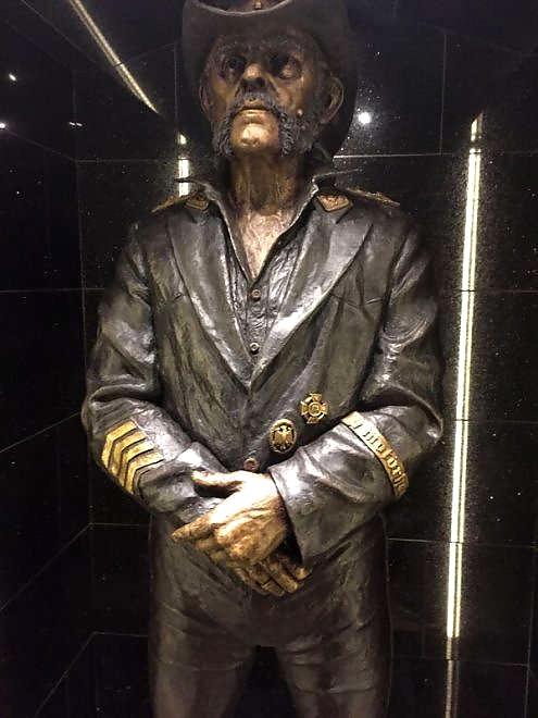 lemmy-statue-3
