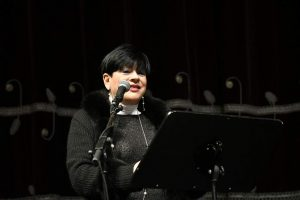 L'assessore Valentina Aprea in un momento del suo intervento alla commemorazione del XVII 'Giorno della Memoria' che si e' tenuta al Teatro degli Arcimboldi di Milano.