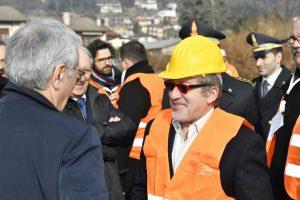 Il presidente della Regione Lombardia, Roberto Maroni,  questa mattina, durante la cerimonia di abbattimento dell'ultimo diaframma della galleria di Induno Olona sulla tratta della Arcisate-Stabio.