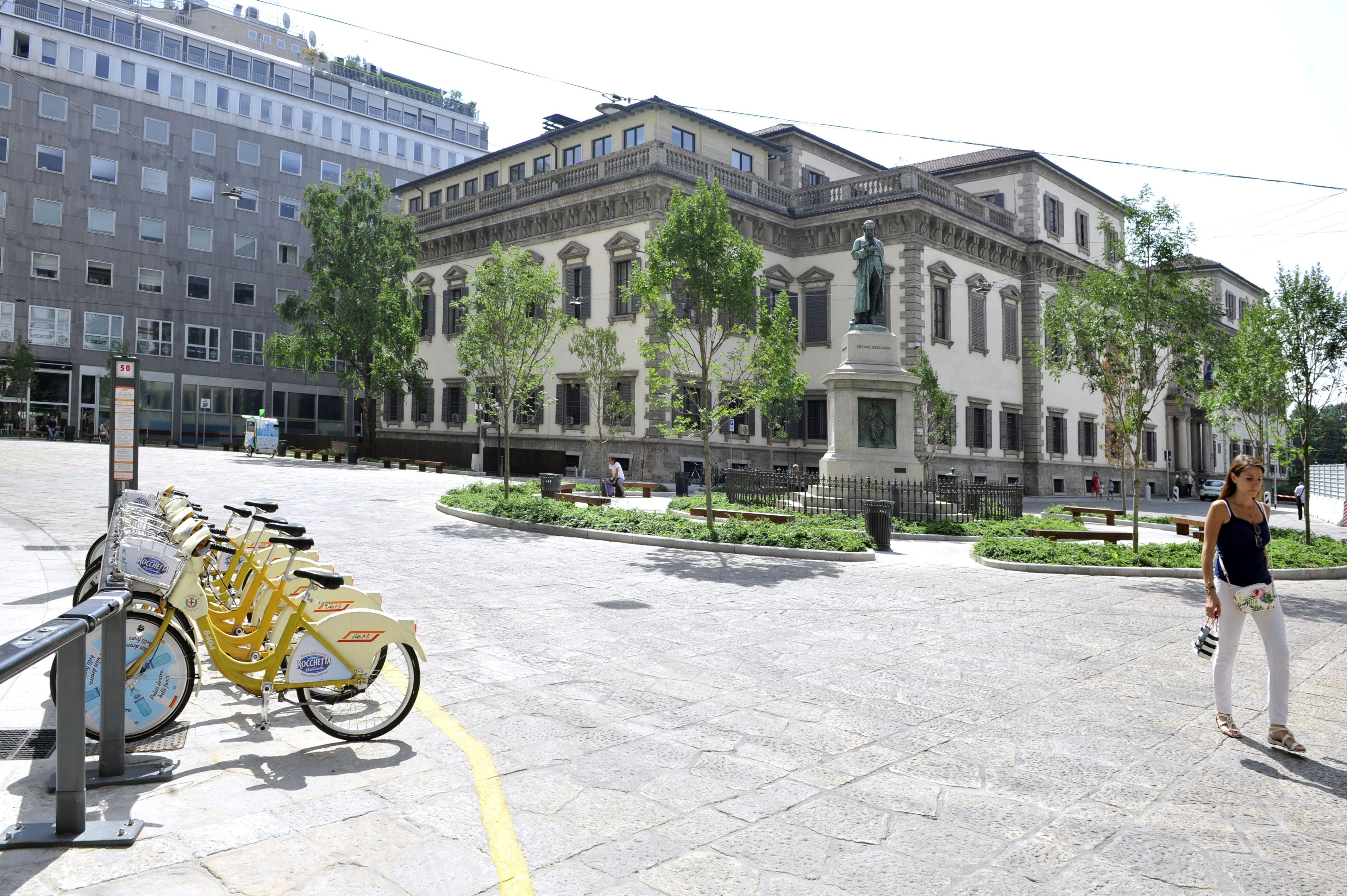 Milano piazza beccaria ha un nuovo volto radio lombardia for Piazza beccaria