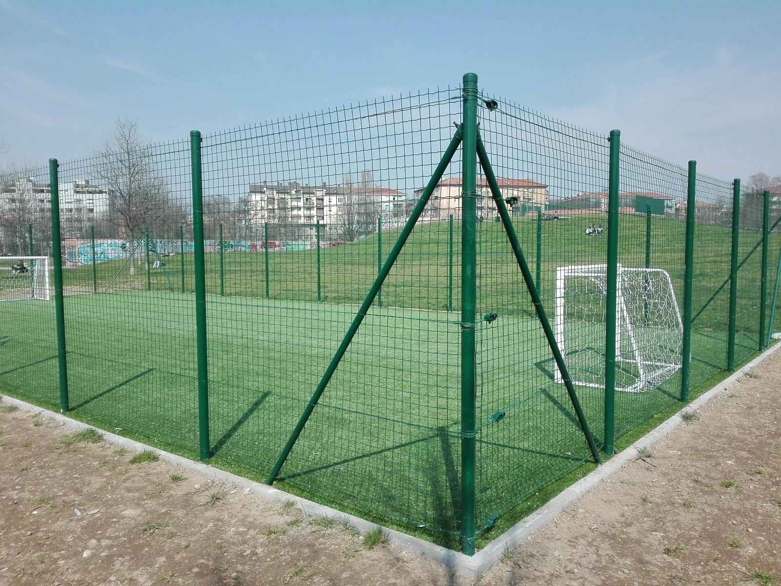 Immagini Di Calcio Per Bambini : Milano tre nuovi campi di calcio per bambini radio lombardia