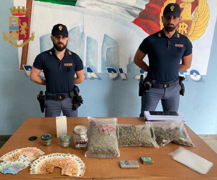 Poliziotti si fingono riders e sequestrano oltre un chilo di droga